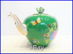 HEREND QUEEN VICTORIA GREEN BACKGROUND TEAPOT, BRAND NEW BOXED, 30fl oz hold