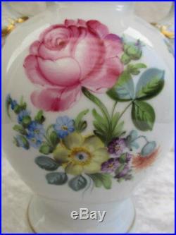 HEREND UNGARN Queen Victoria Porzellan VASE Blumendekor handgemalt