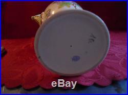 Herend Queen Victoria Urn Vase Medium size porcelain