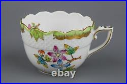 Pair of Herend Queen Victoria Coffee Mocha Cups with Saucers #711/VBO I