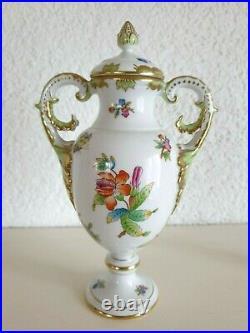 Sehr Edle Qualitäts Vase Herend Queen Victoria Deckel Vase